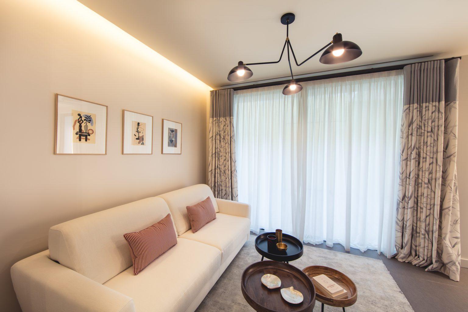 1 suite canapé lit bureau chambre villa